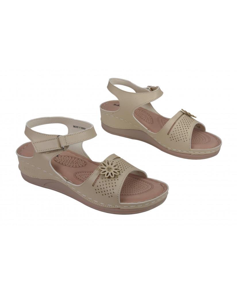 A-4: Balujas Cream Flat Sandals